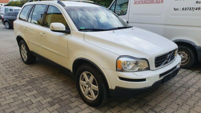 Volvo XC90 XC 90 D5 Momentum 7m, 136kW, M6, 5d.