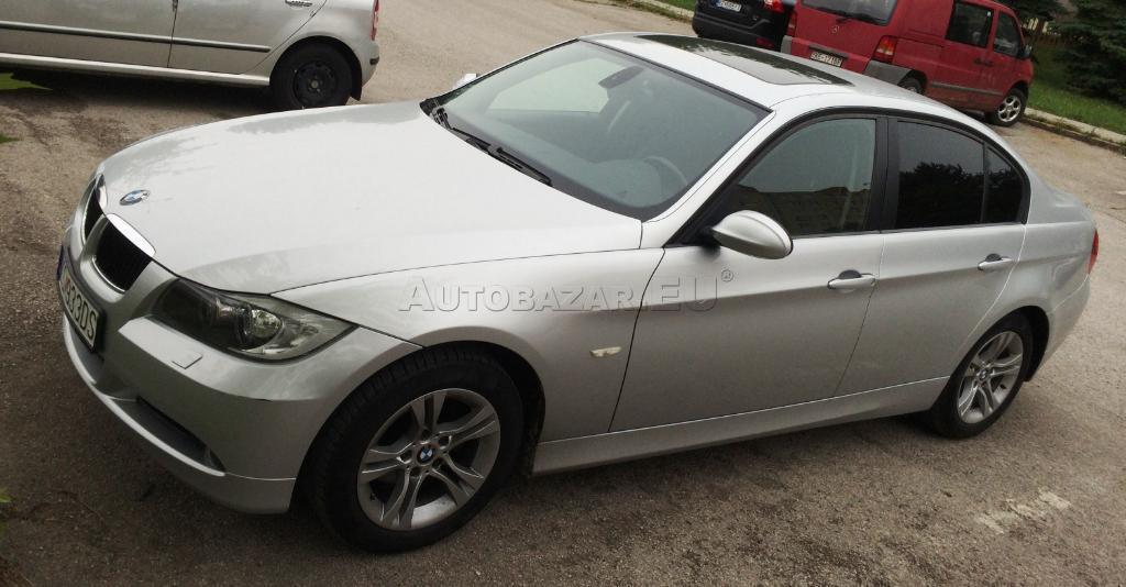 BMW rad 3 318 i (E90)