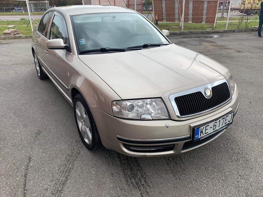 Škoda Superb 2.0 TDI Elegance DPF