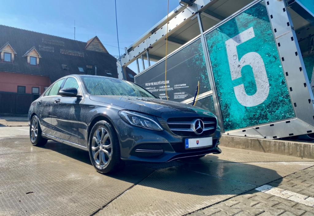 Mercedes-Benz C trieda Sedan